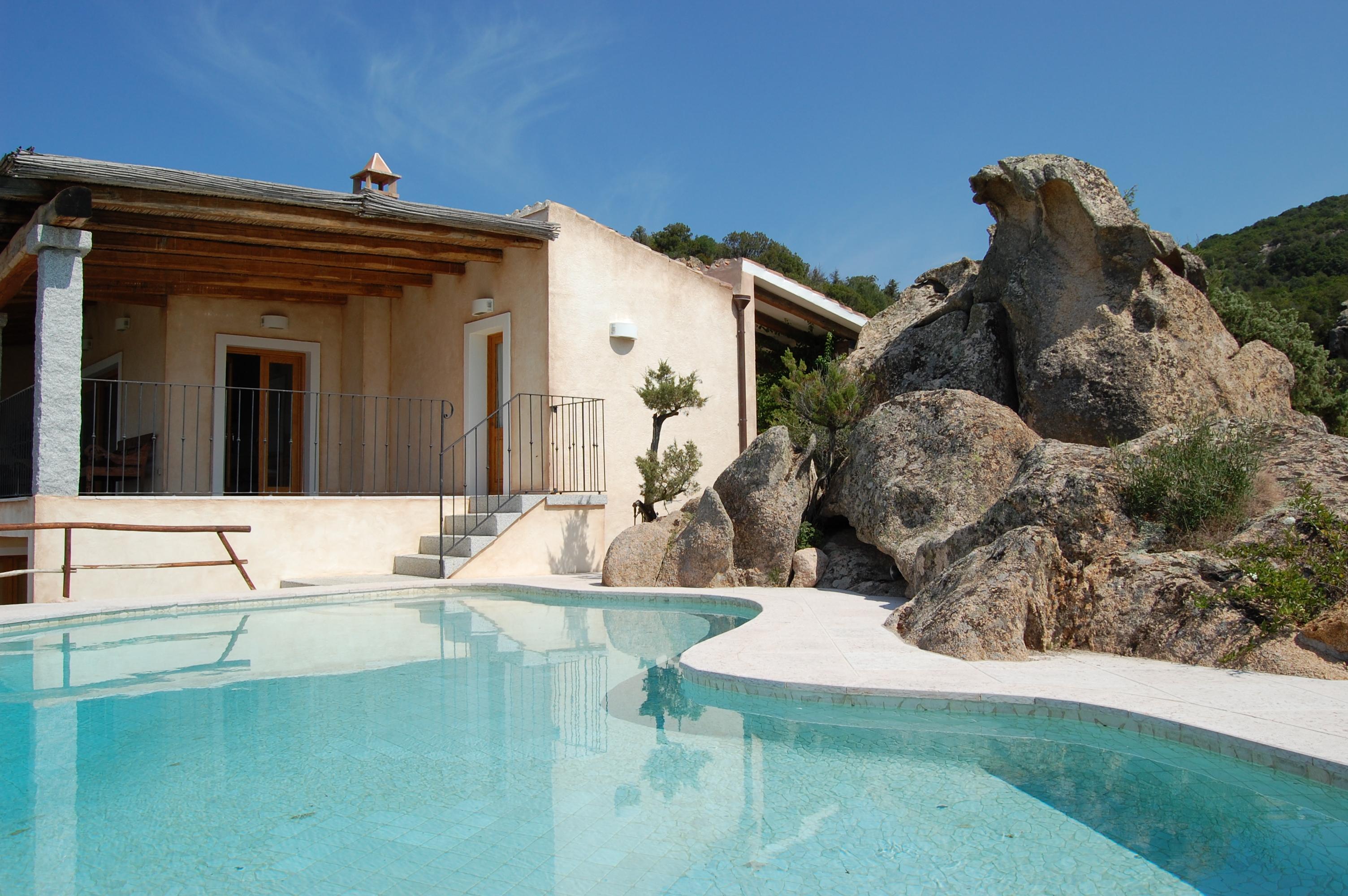 Italy costa smeralda baja sardinia fantastic villa for Case sardegna affitto vacanze
